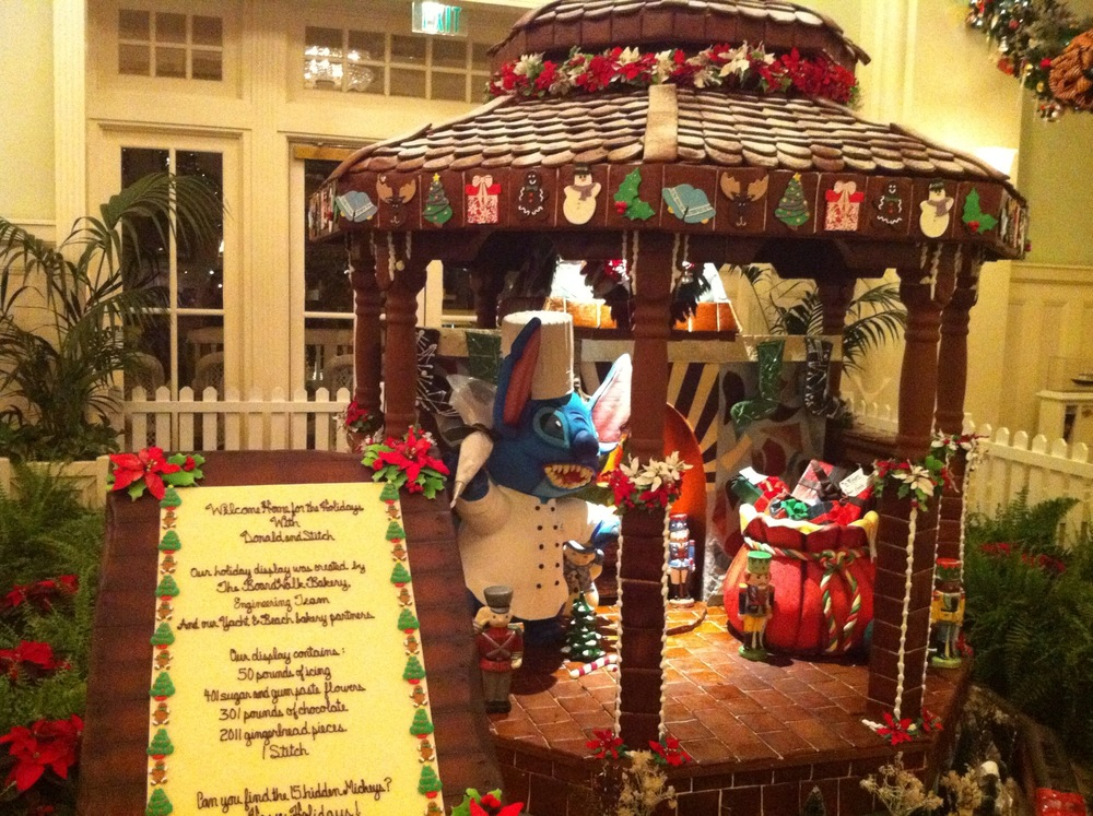 christmas decorations at walt disney world