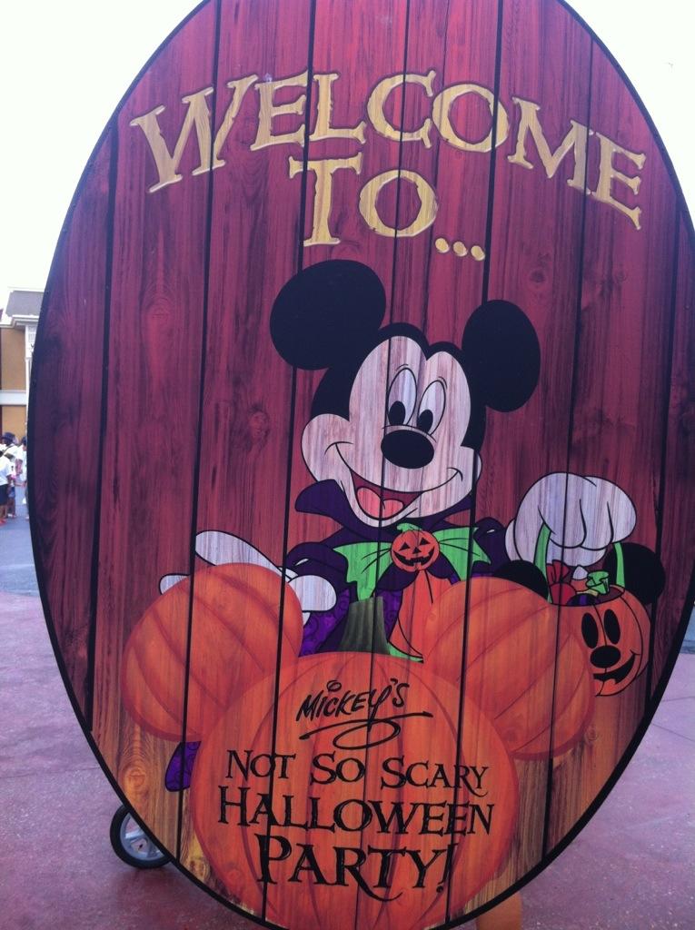 master secrets to mickeys not so scary halloween party