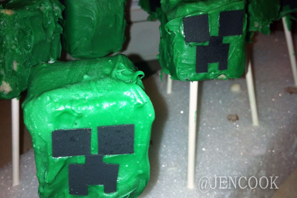Minecraft Creeper cake pops.