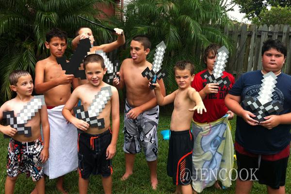 Minecraft-Swords-Boys